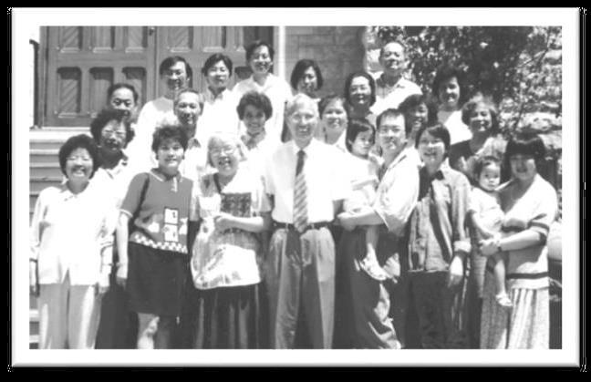 简国庆牧师(顾问牧师)及会友
